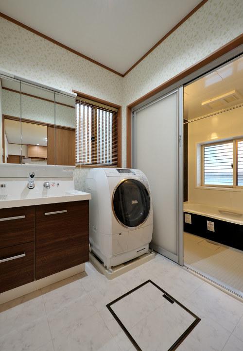 白河市のリフォーム実例、和を愛する家~数奇屋風~施工後洗面・バス