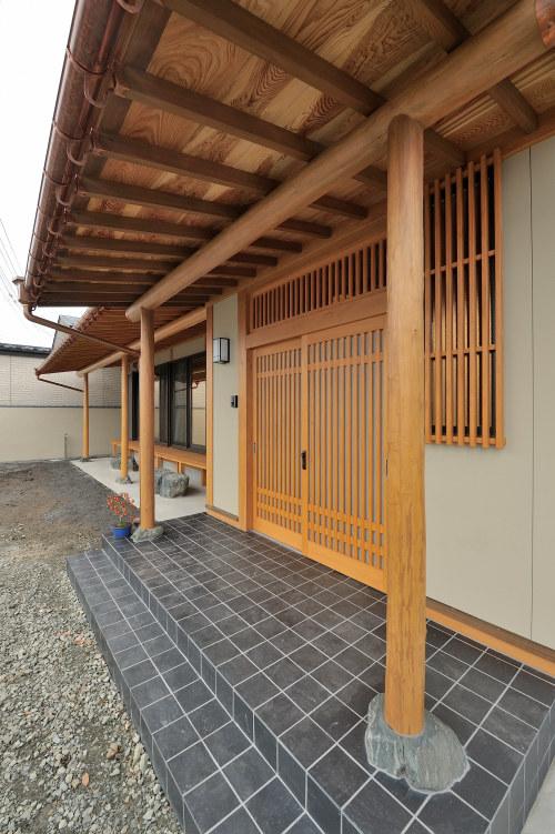 白河市のリフォーム実例、和を愛する家~数奇屋風~施工後玄関ポーチ