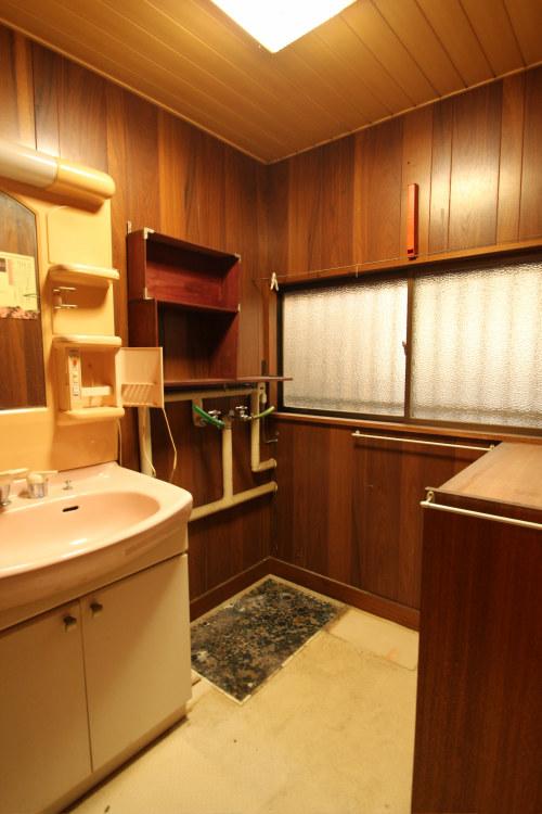 白河市のリフォーム実例、和を愛する家~数奇屋風~施工前洗面