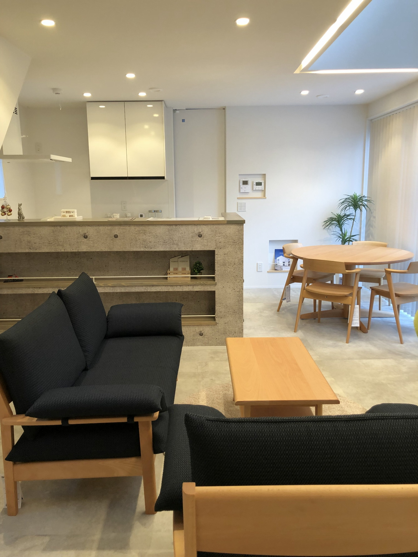 田村市の施工例、コンパクト&北欧デザインの家リビング&キッチン2
