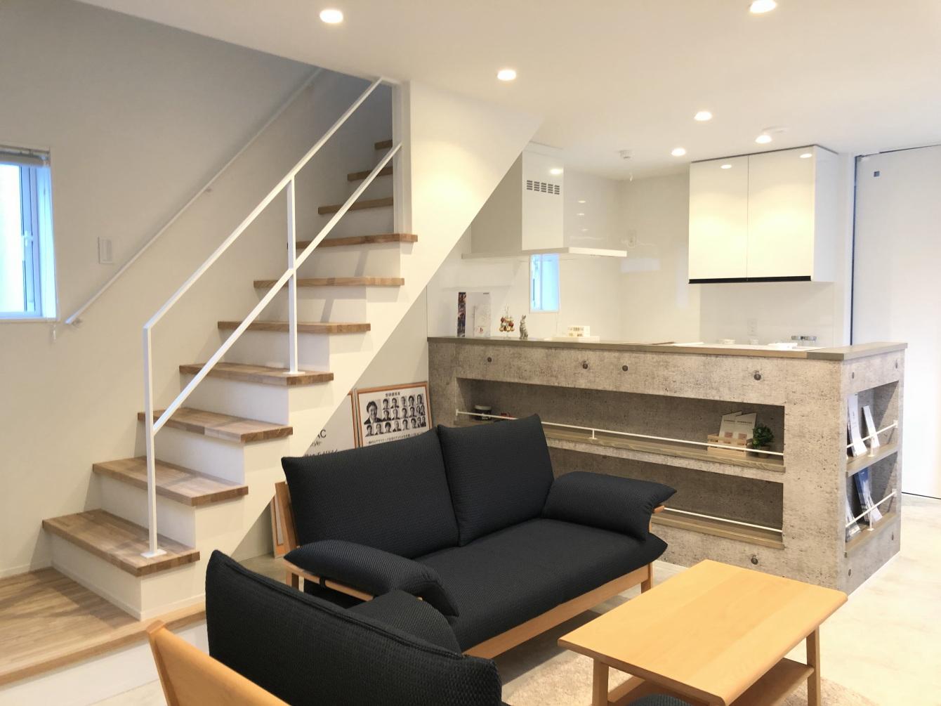 田村市の施工例、コンパクト&北欧デザインの家リビング&キッチン1